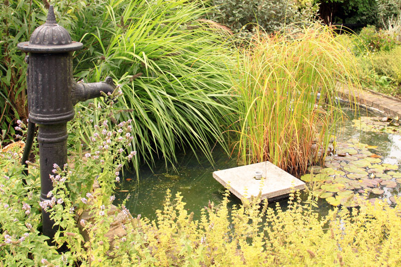 Колонка садовая для воды своими руками 39